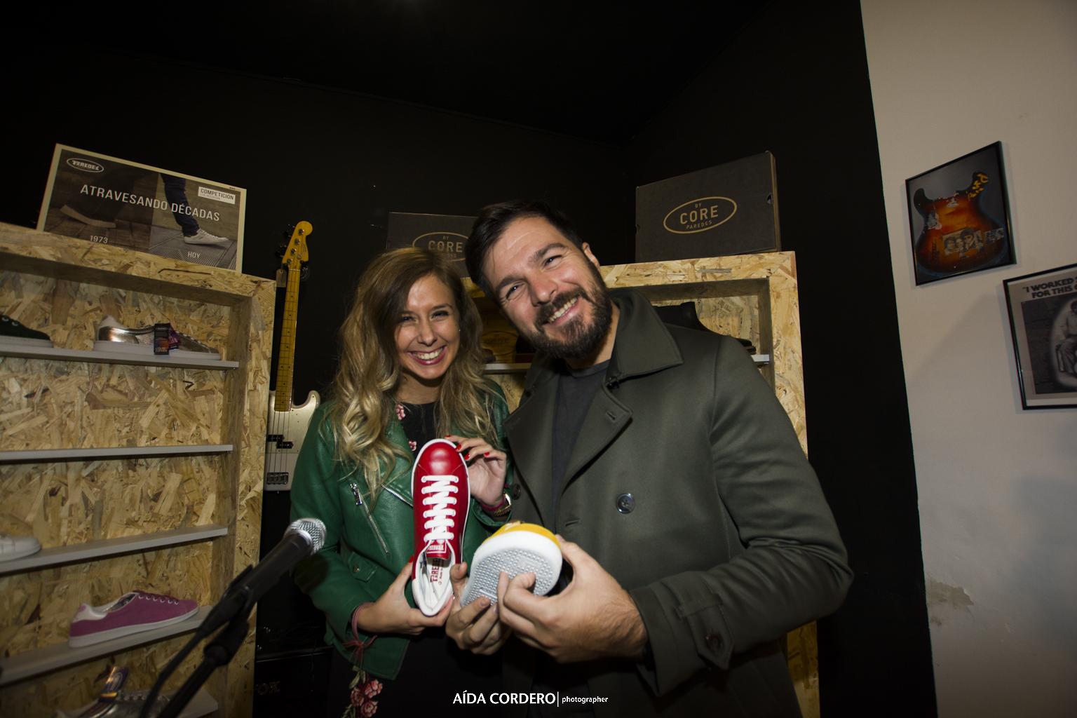 Arantza Trendy también se enamora de nuestras zapatillas durante la fiesta Paredes
