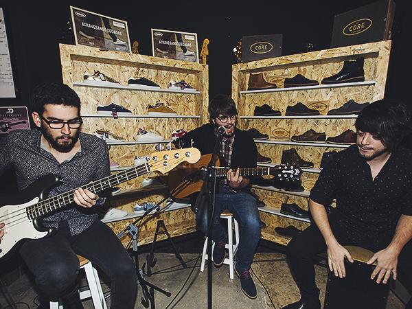 La banda Sonograma poniendo música a la fiesta Paredes
